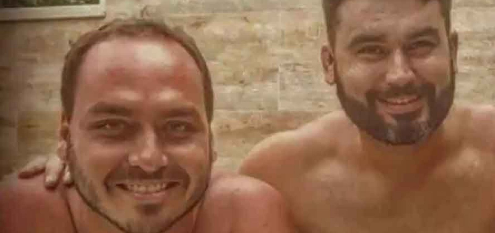 [Senador dá emprego de R$ 23 mil para Leo Índio, primo dos filhos de Bolsonaro]