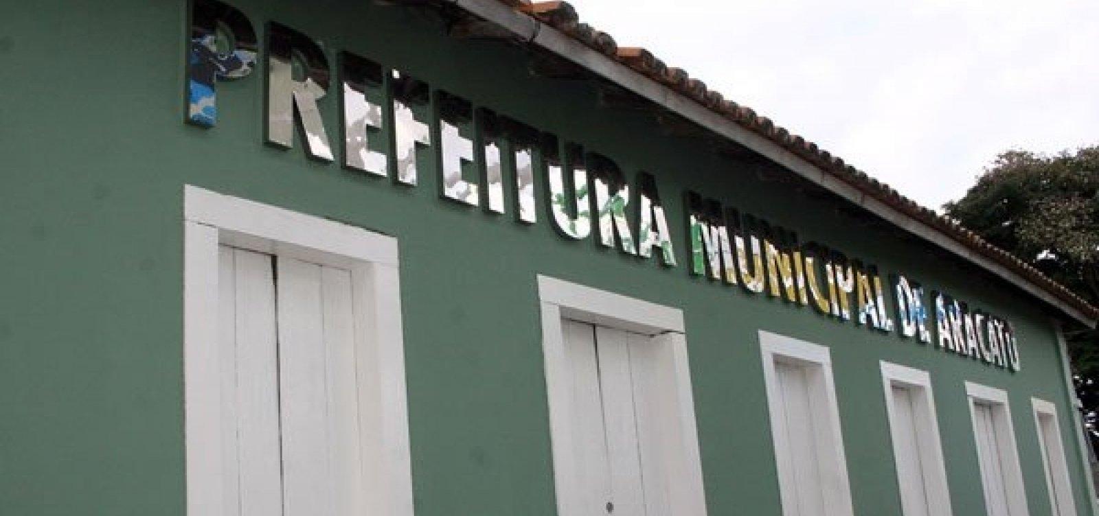 [Prefeito e presidente da Câmara da Aracatu devem exonerar 26 servidores por nepotismo]