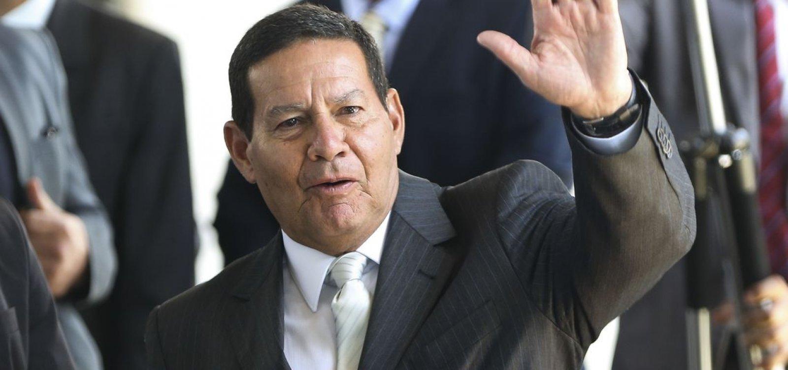 ['Se Bolsonaro não me quer, é só me dizer', diz Mourão a familiares]