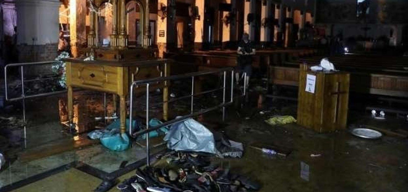 [Ao menos 15 morrem depois de ação contra terroristas no Sri Lanka]