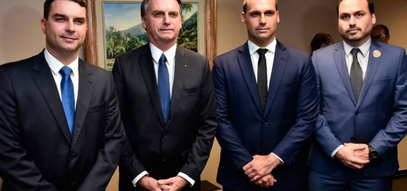 [Família Bolsonaro possui mais de 40 multas de trânsito]