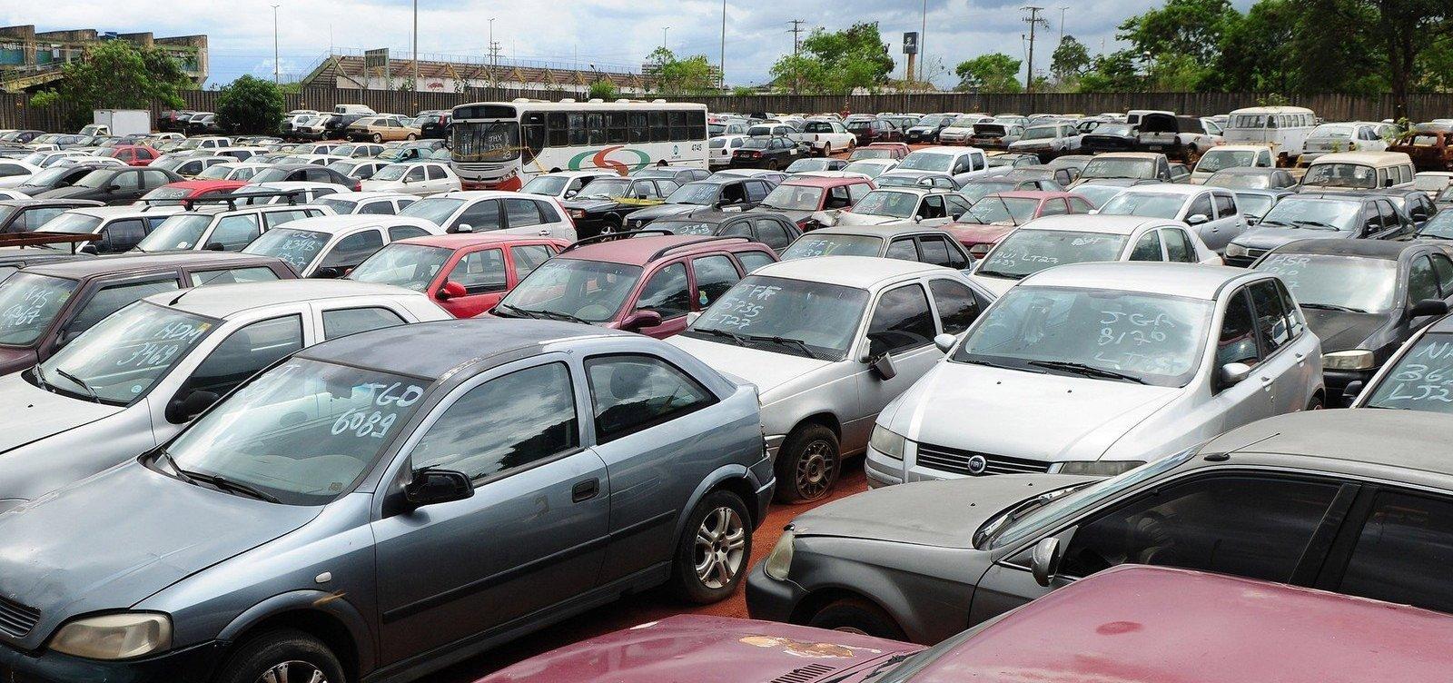 [Transalvador realiza leilão de peças e carros com lance inicial de R$ 200 até R$ 5.380]
