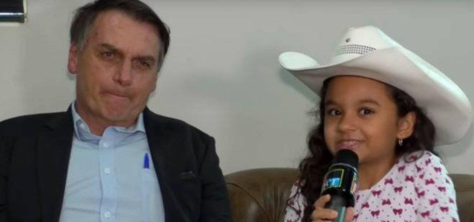 [Em entrevista a criança, Bolsonaro defende troca de patrono da educação e chama Paulo Freire de 'chato']