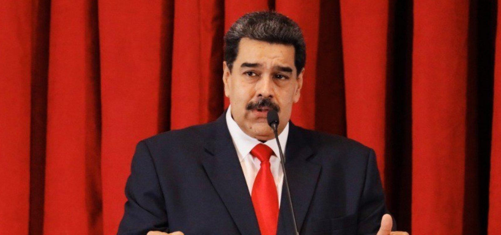 [Maduro nega ter perdido apoio de militares e acusa oposição de golpe]