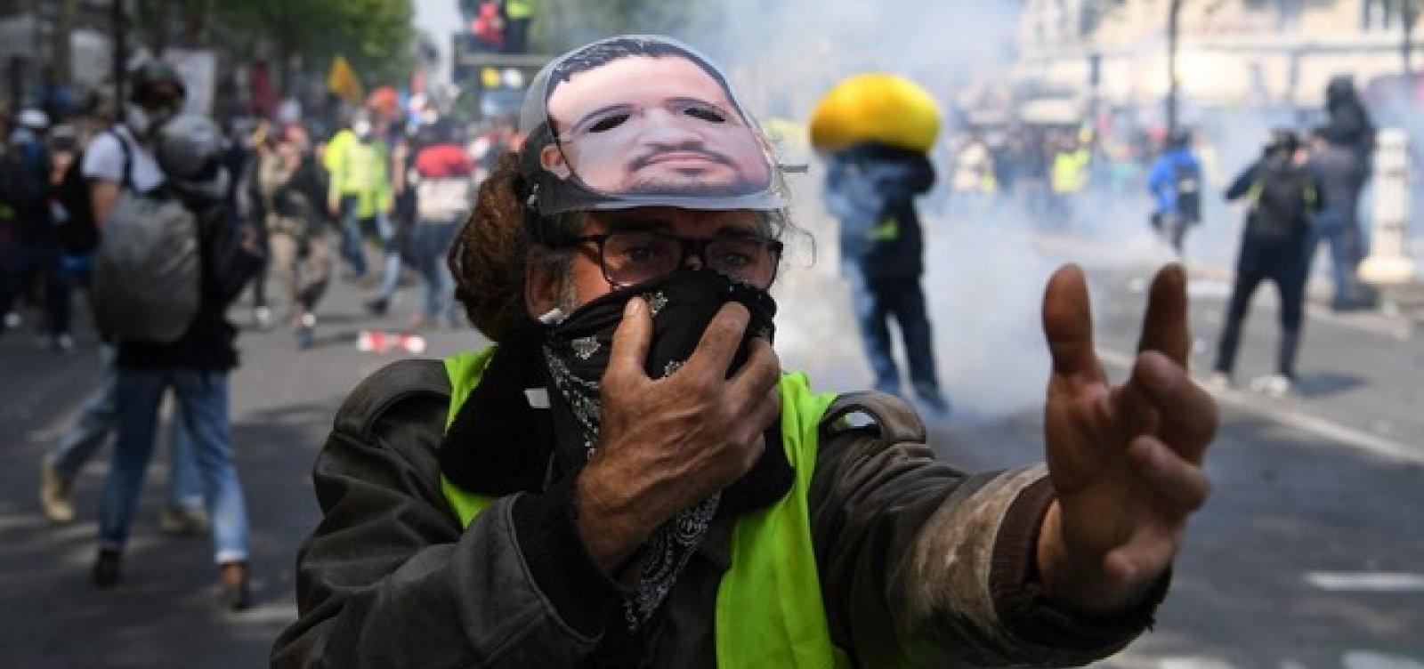 [Protesto dos coletes amarelos no Dia do Trabalho tem confronto com a polícia em Paris]