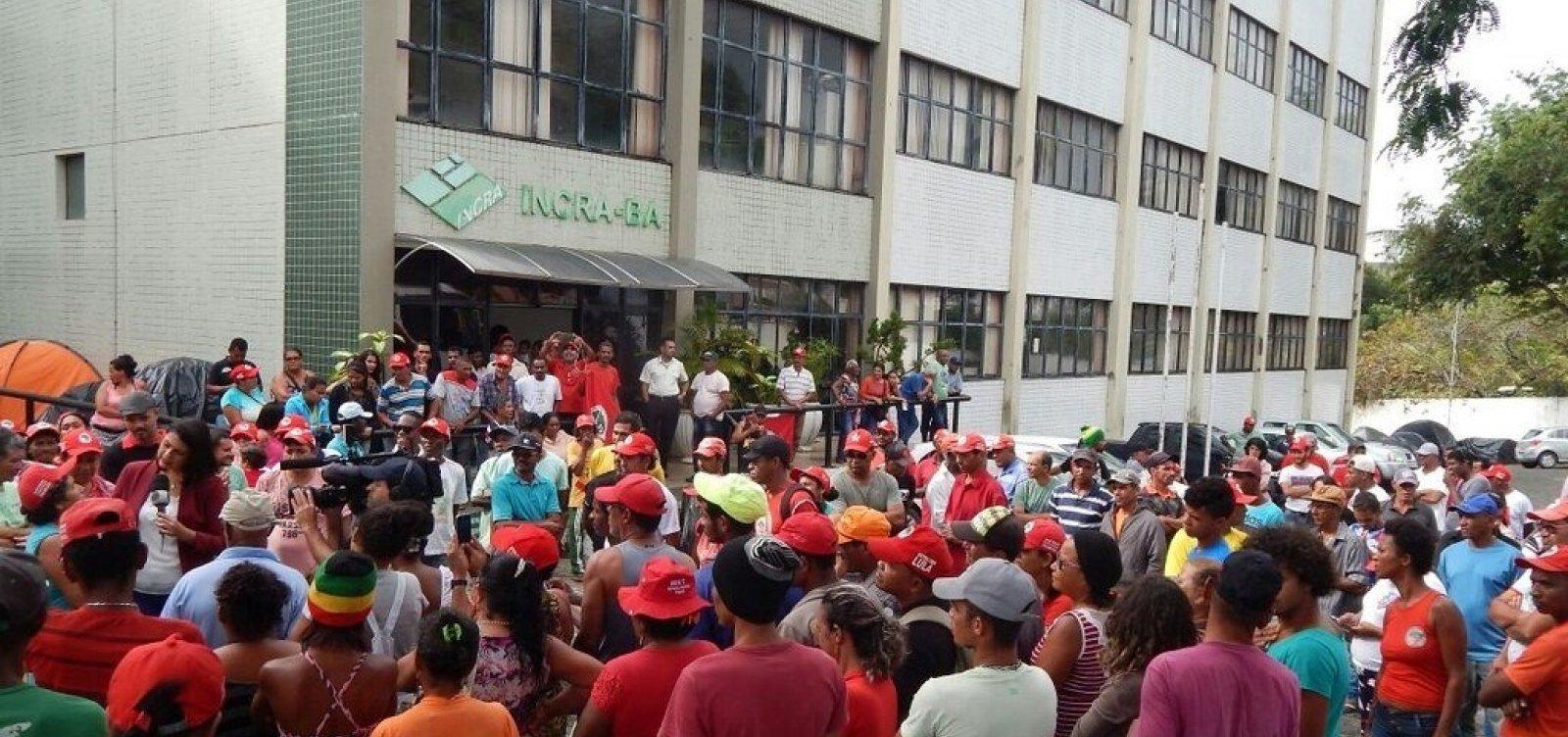 [Governo Bolsonaro orienta retirada de manifestantes de prédio público sem ordem judicial]