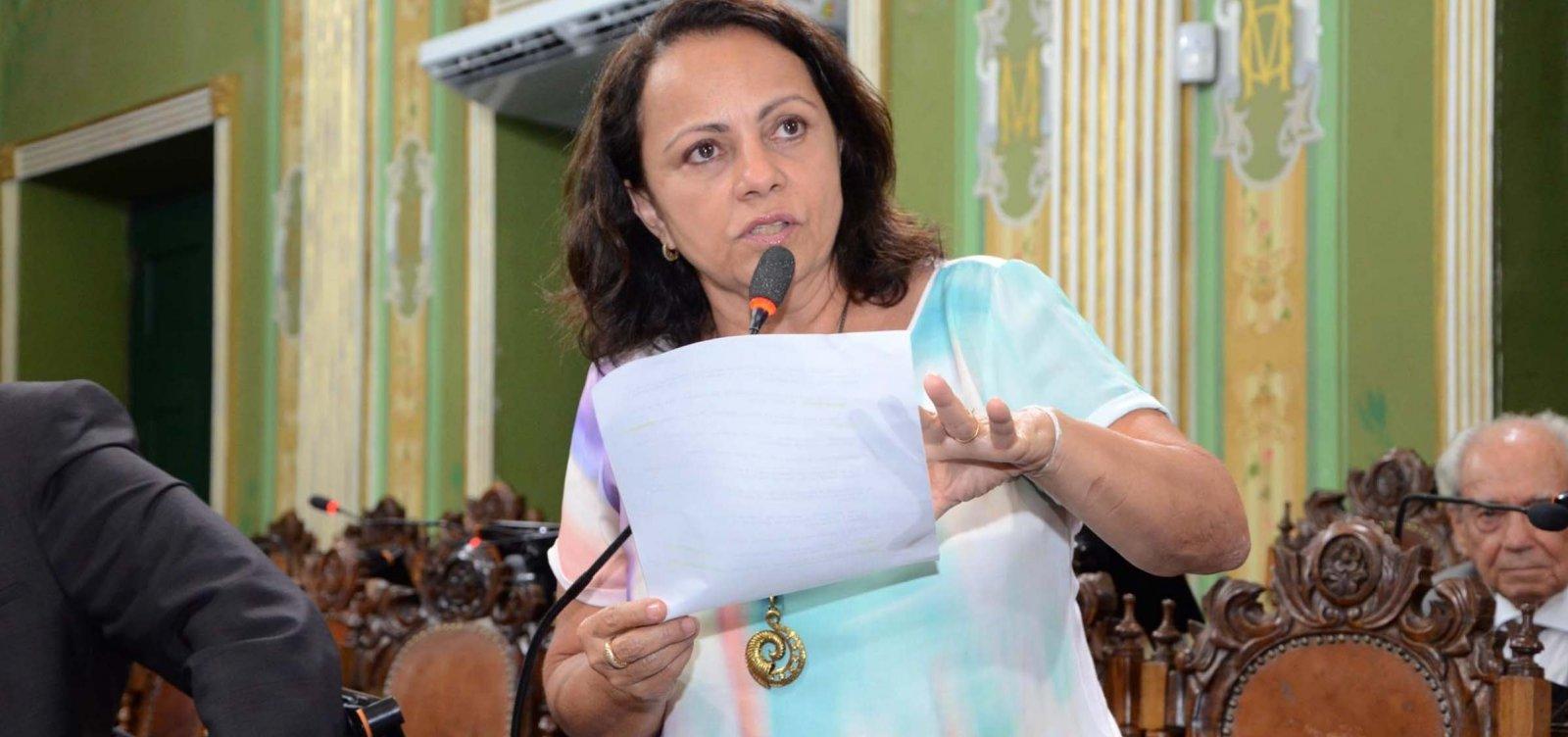 [Aladilce Souza apresenta moção de repúdio contra corte de verbas da Ufba]