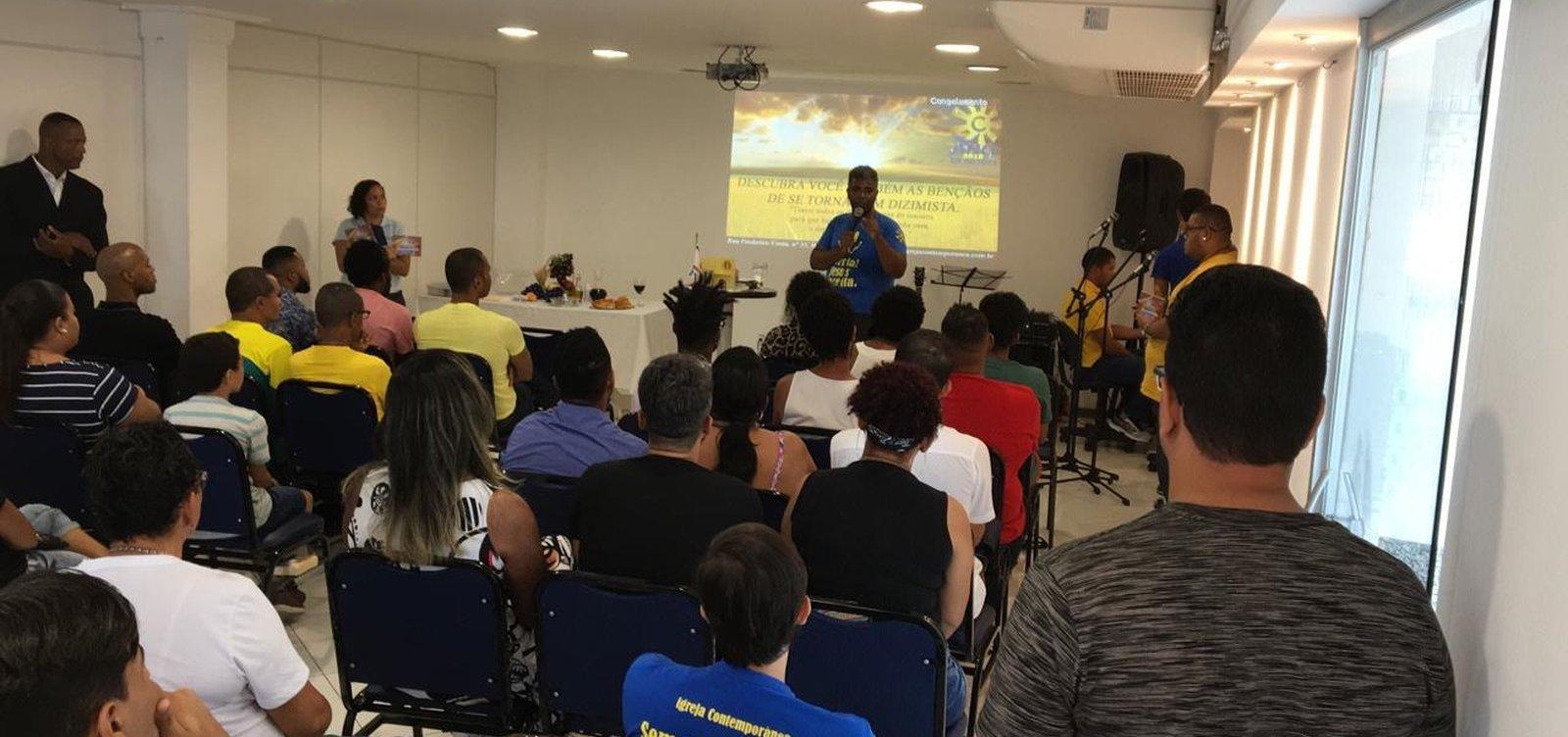 [Primeira igreja evangélica LGBT inaugura sede em Salvador]