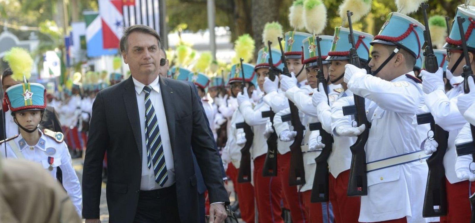 [Bolsonaro diz que meta é implantar um colégio militar em cada capital]