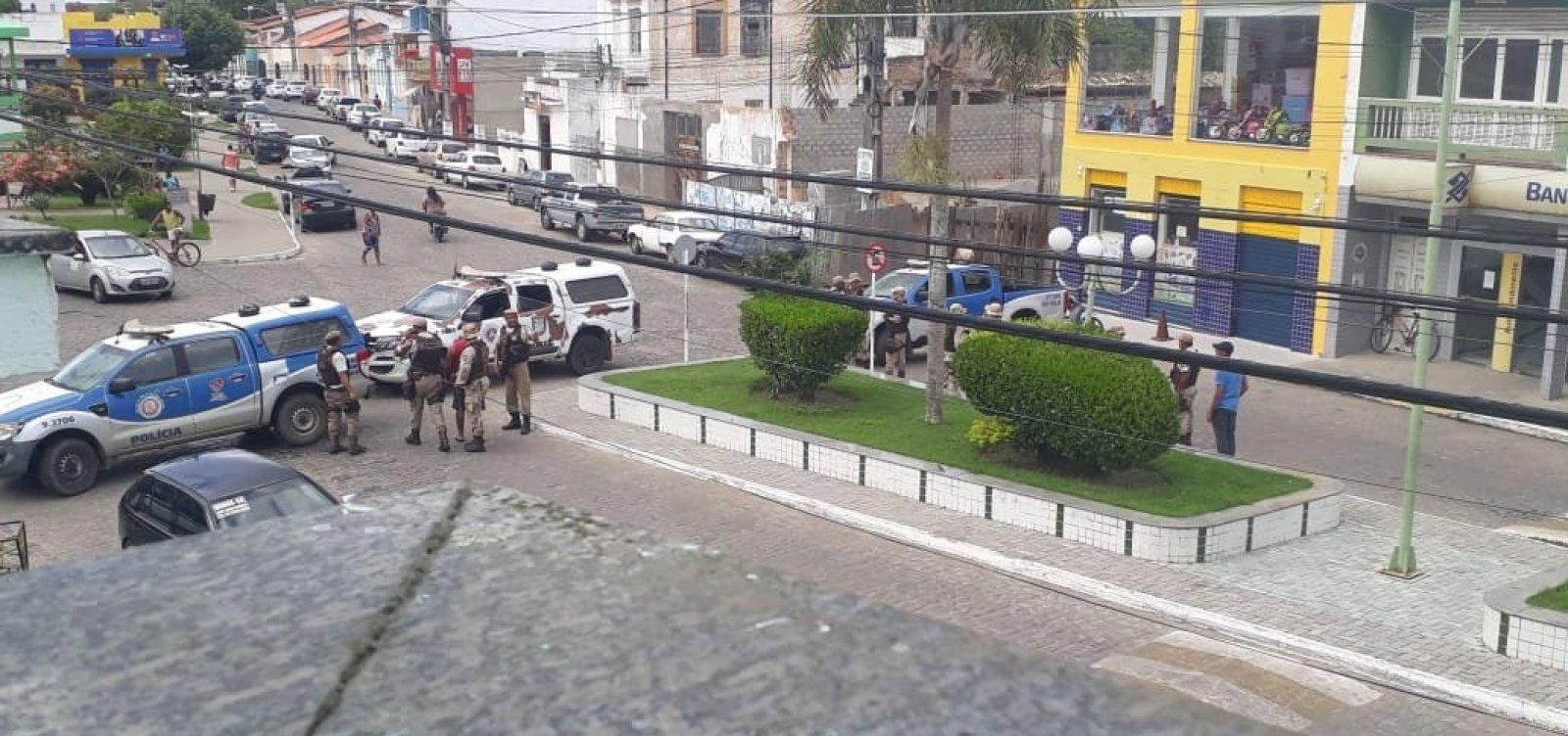 [Polícia impede assalto com reféns em banco na cidade de Muritiba]