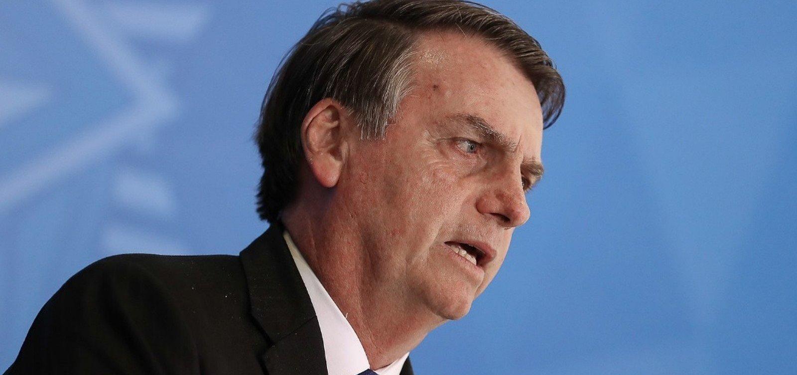 [Decreto de Bolsonaro facilita porte de armas para políticos eleitos e caminhoneiros]