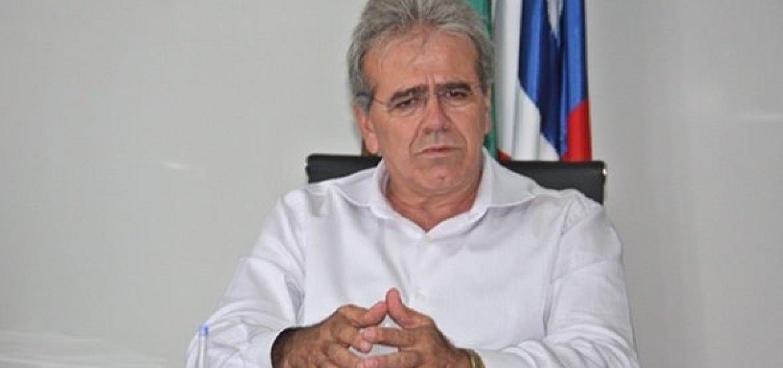 [Ex-prefeito de Teixeira de Freitas é denunciado por fraudar contrato com UPB]
