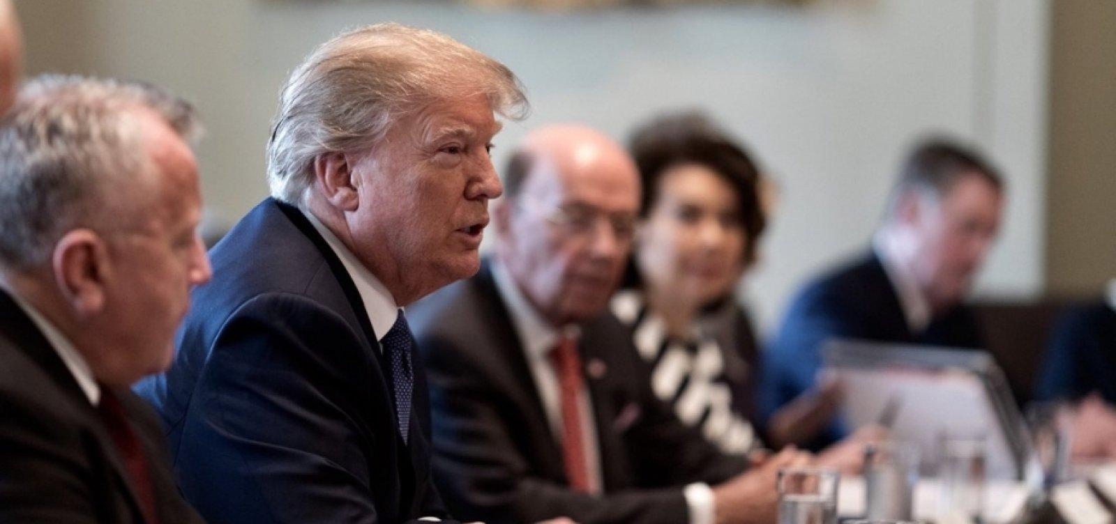 [Trump diz que 'ficará feliz' em manter tarifas sobre produtos chineses]