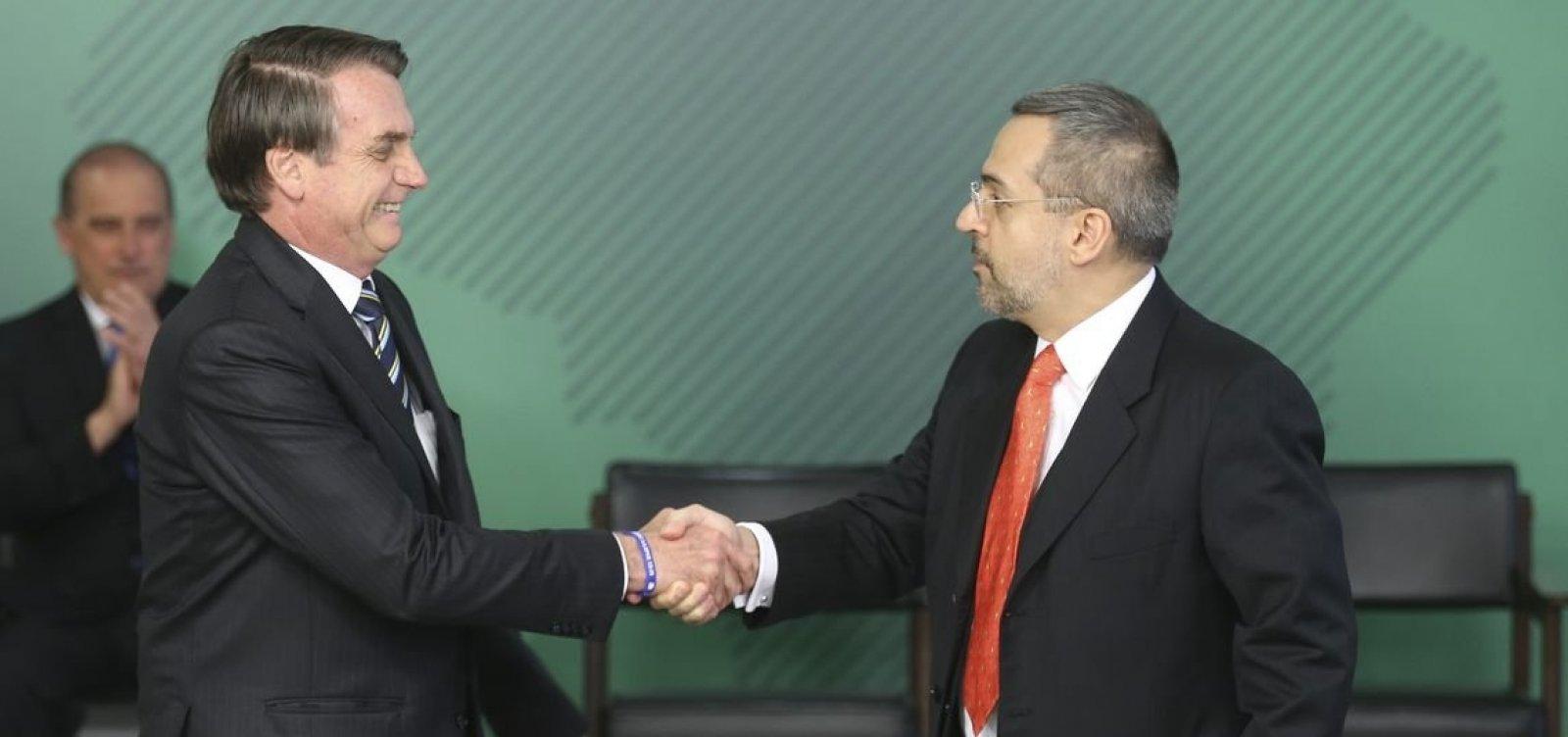 ['Ninguém vai cortar por maldade', diz Bolsonaro sobre cortes do MEC]