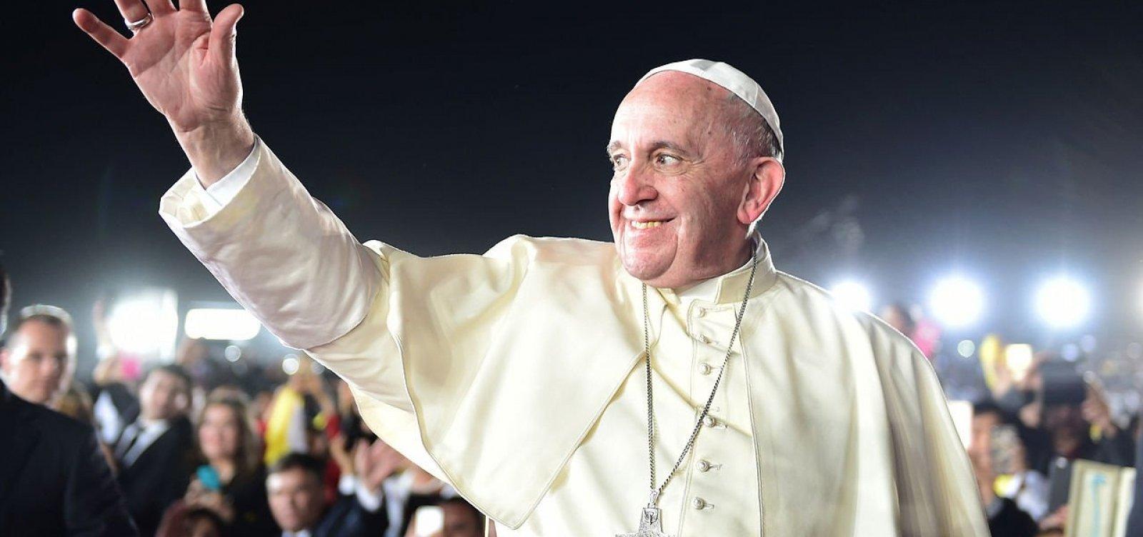 [Papa Francisco emite decreto que obriga bispos a denunciar casos de abuso sexual]