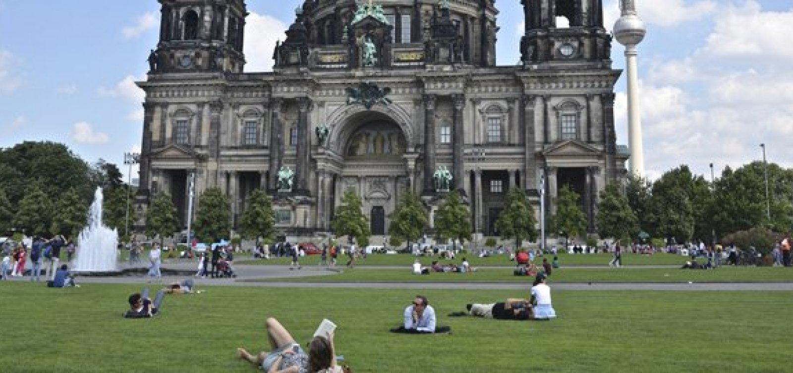 [Governo da Alemanha anuncia 160 bilhões de euros para universidades ]