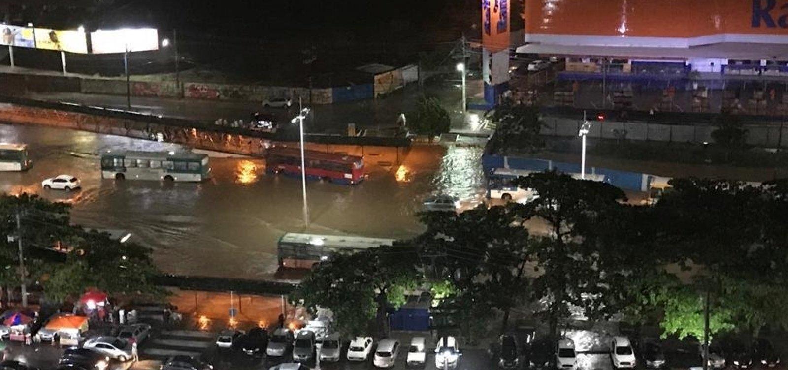 [Codesal registra dez deslizamentos de terra após chuvas em Salvador]