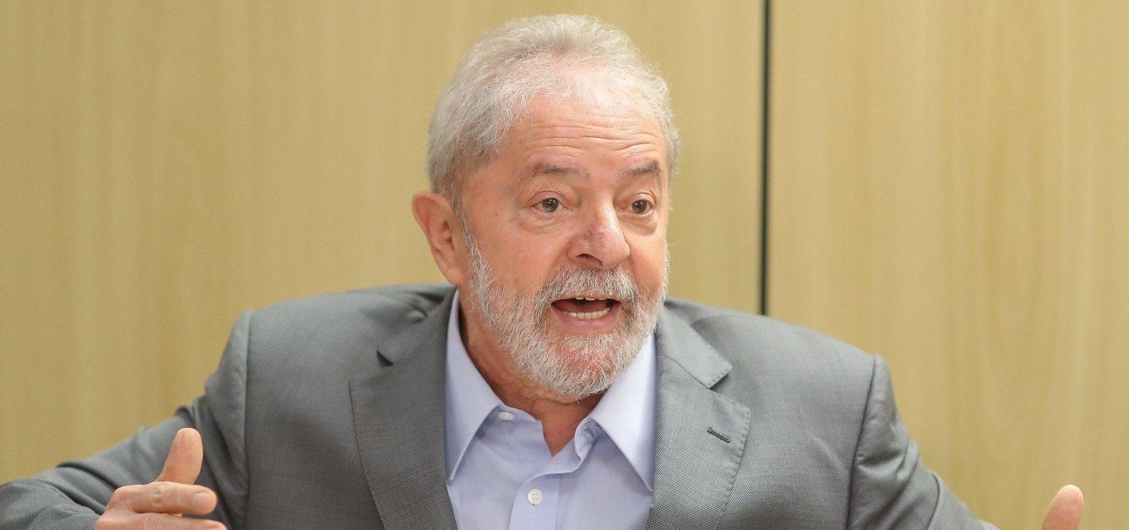 [Em entrevista na PF, Lula diz que Bolsonaro faz mandato 'extremamente desastroso']