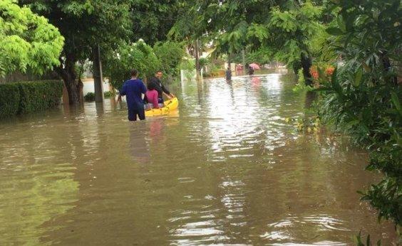 [Você Repórter: Rio Jaguaribe transborda e deixa moradores ilhados em Piatã]