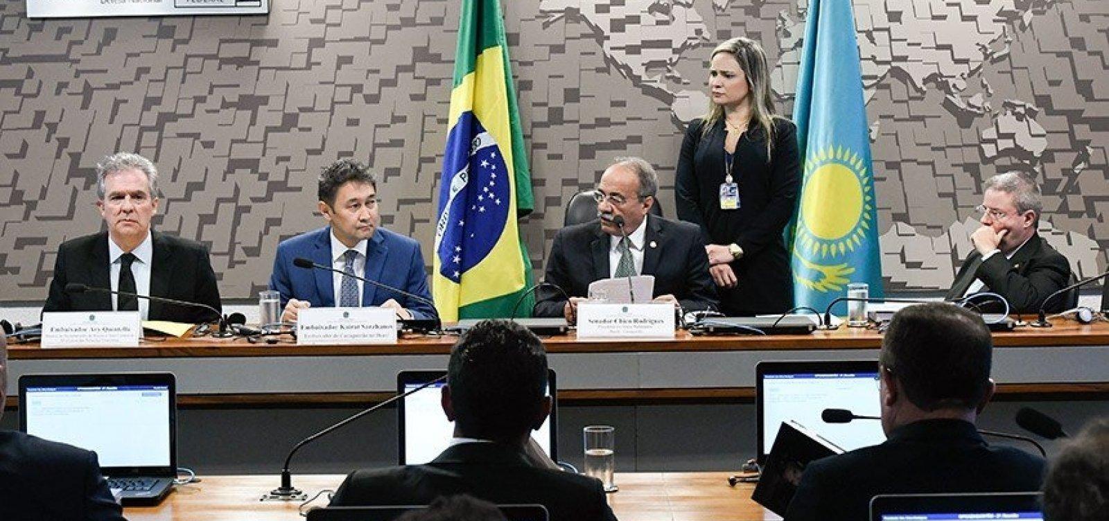 [Embaixador do Cazaquistão no Brasil diz que quer intensificar relações entre os dois países]