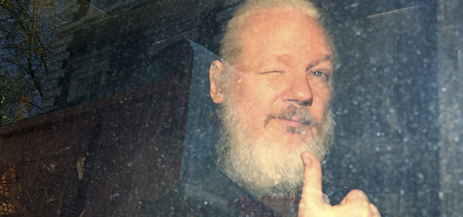 [Justiça sueca reabre investigação contra Assange sobre acusação de estupro]