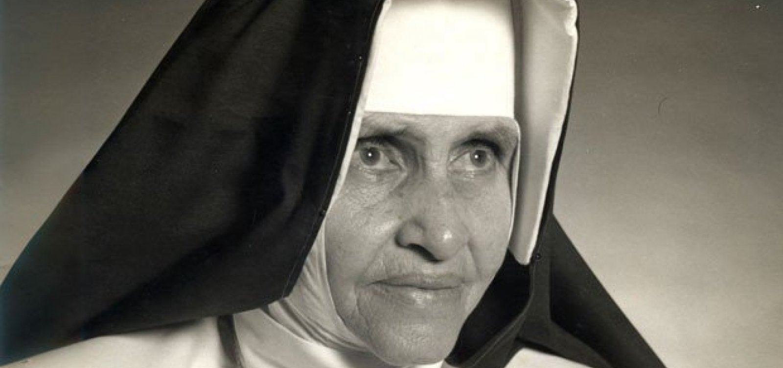 [Papa Francisco decreta canonização de Irmã Dulce]