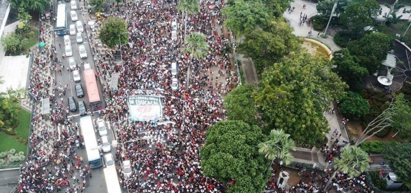 [UNE rebate Bolsonaro: 'Só lamento que nos ache idiotas, somos brasileiros responsáveis com o futuro']