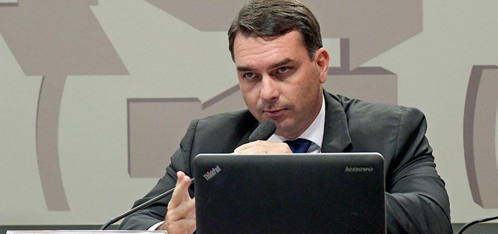 [MP vê indícios de lavagem de dinheiro em compra de imóveis por Flávio Bolsonaro]