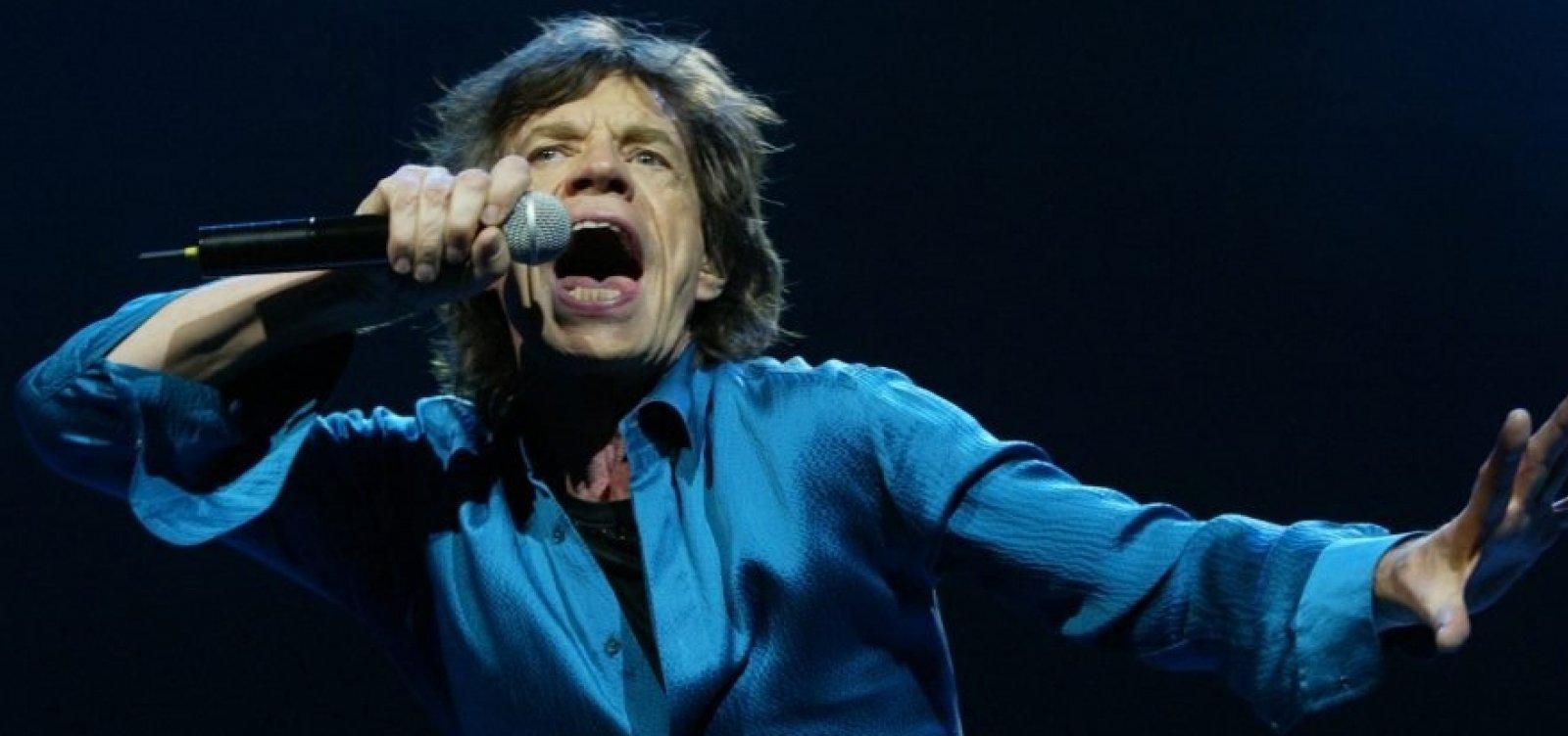 [Após cirurgia no coração, Mick Jagger surge dançando em vídeo ]