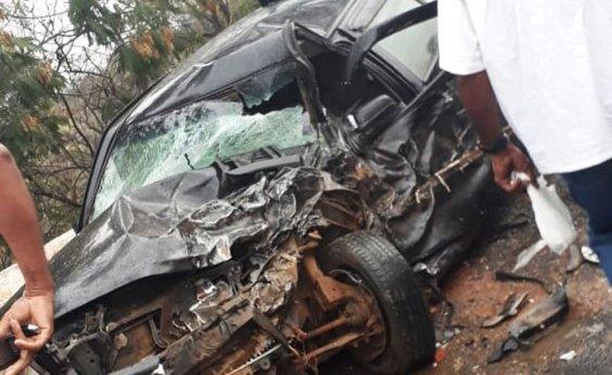 [Motorista morre após colisão entre carro e viatura da PM]