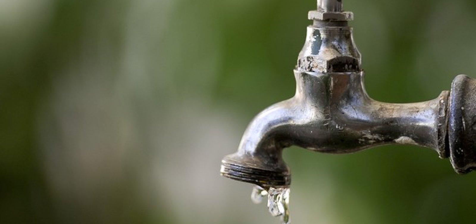 [Após reclamação de moradores, Sesab diz que água não representa ameaça à saúde]