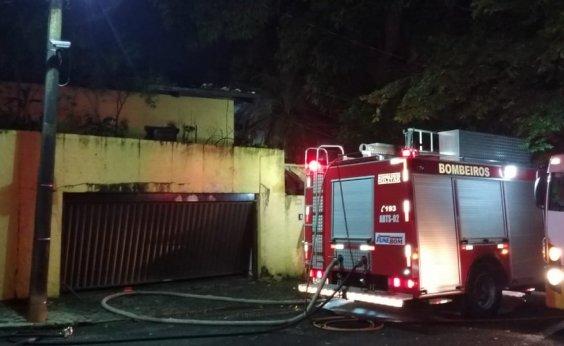 [Casa atingida por incêndio no Horto Florestal é interditada pela Defesa Civil]