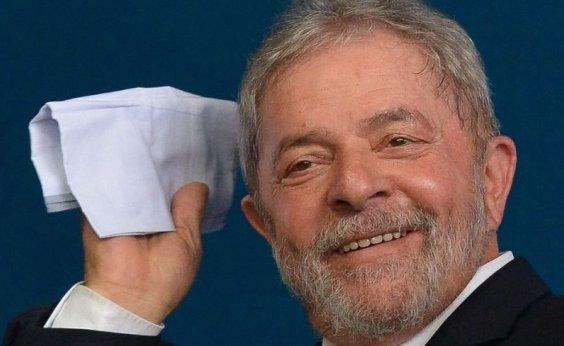 [Lula está apaixonado e planeja se casar, diz ex-ministro ]
