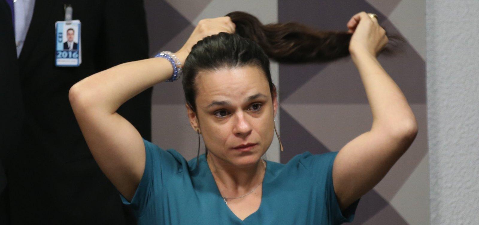 [Janaína Paschoal se posiciona contra manifestações a favor de Bolsonaro]