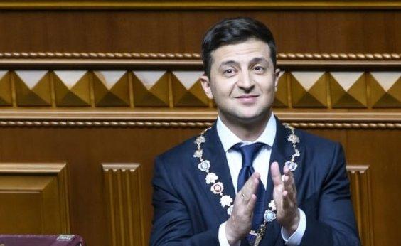 [Presidente ucraniano dissolve Parlamento durante posse]