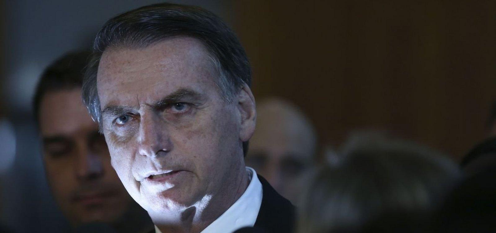 [Bolsonaro torna a defender mudanças em regras da CNH]