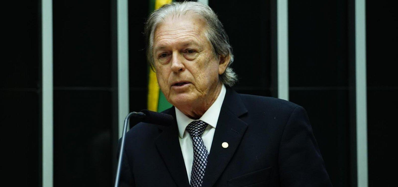 [Presidente do PSL chama manifestações pró-Bolsonaro de 'sem sentido']