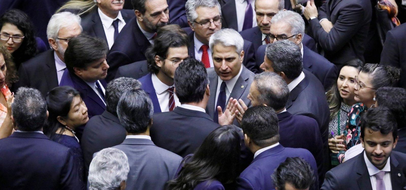 [Câmara aprova MP que reduz número de ministérios e tira Coaf de Moro]