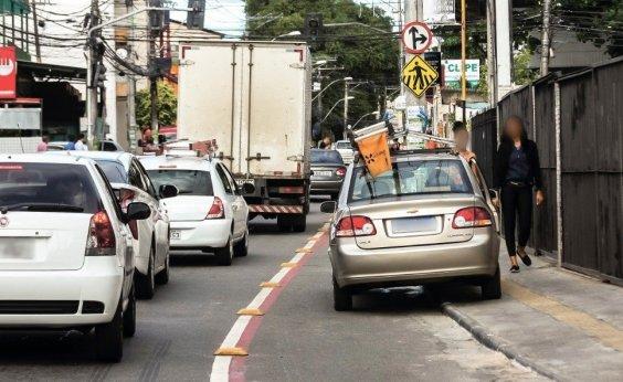 [Ciclistas de Salvador ainda convivem com o desrespeito nas faixas exclusivas]