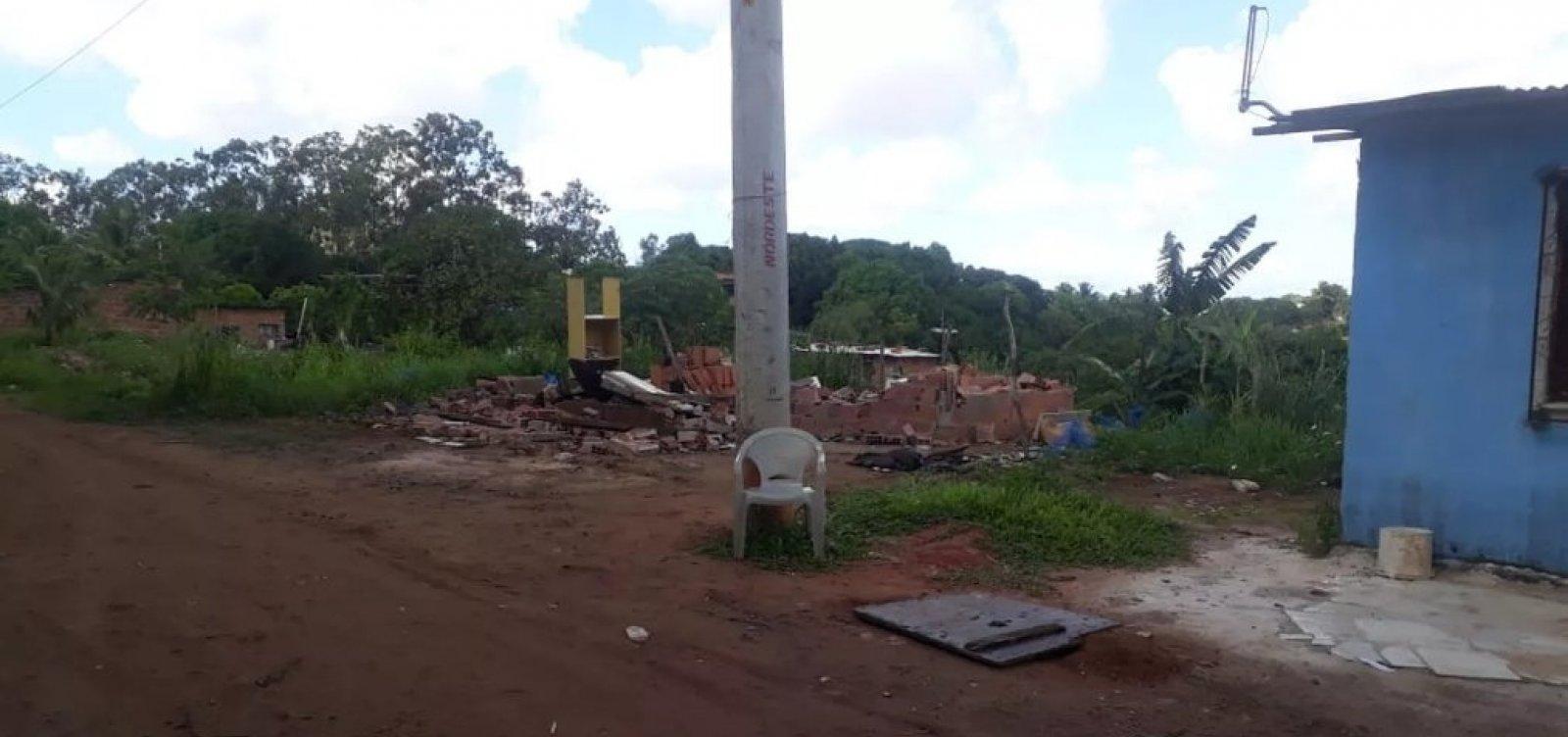 [Mais de 30 barracos são derrubados em área de proteção ambiental de Salvador]