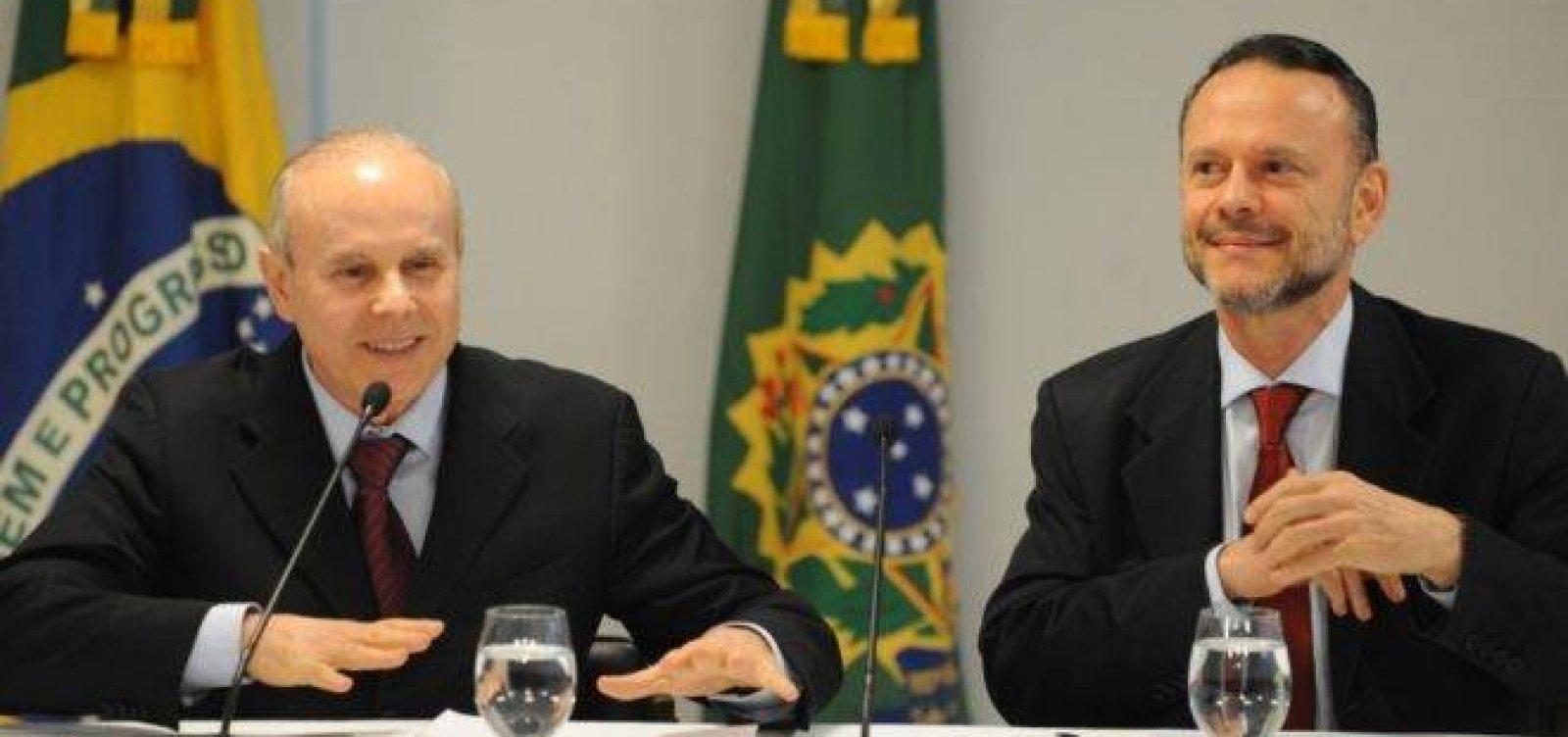 [Mantega e Coutinho viram réus por fraude em repasses do BNDES]