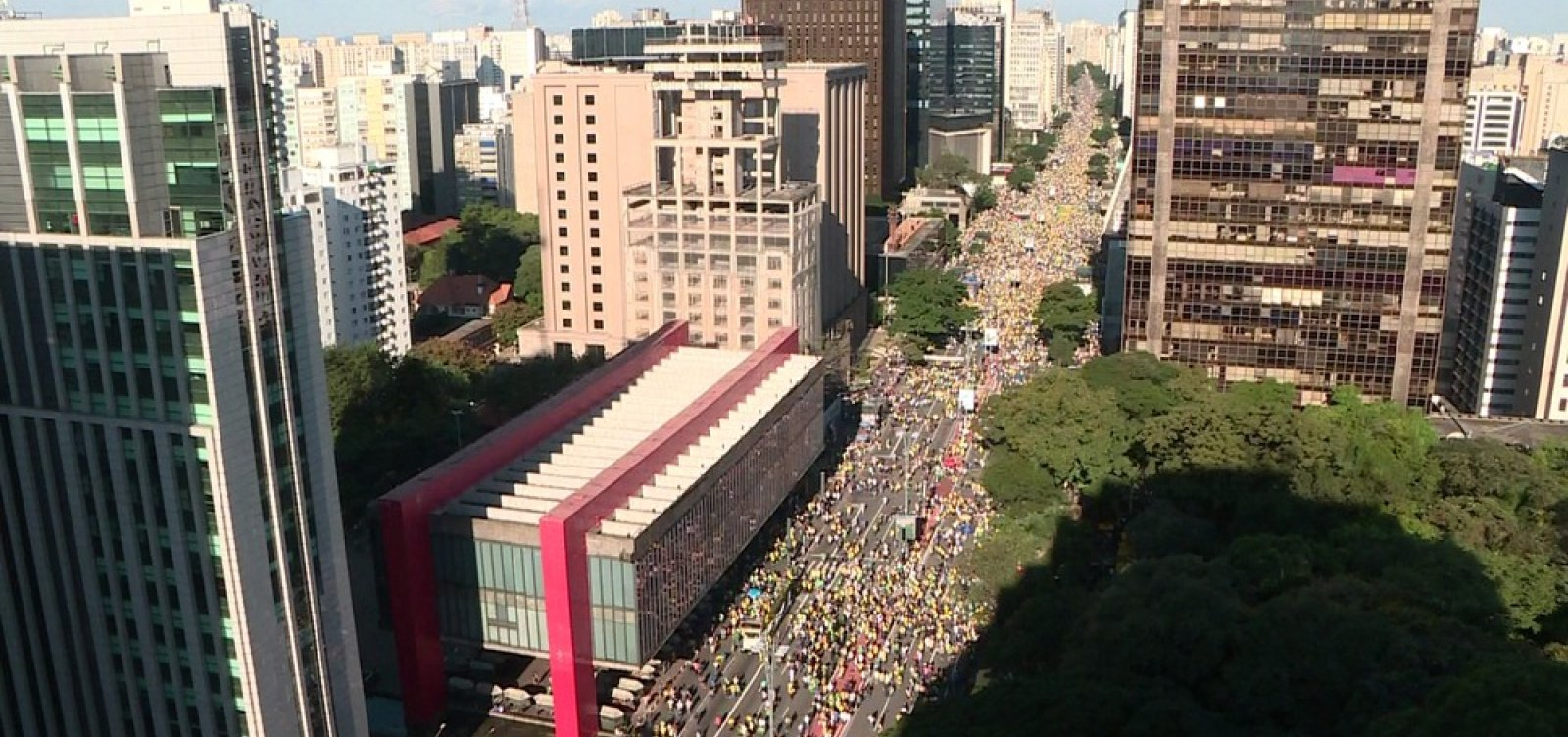 [Ato pró-Bolsonaro ocupa sete quarteirões na Avenida Paulista]