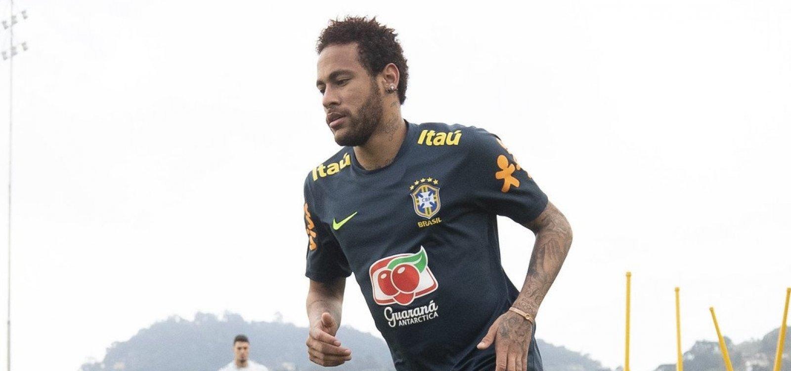 [Neymar deixa treino da seleção com dores no joelho]
