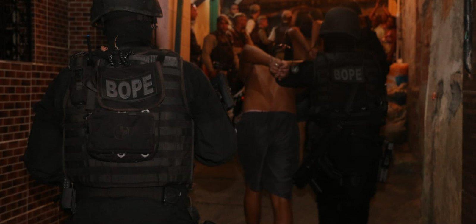 [Seis pessoas são liberadas mais de 2h após serem feitas reféns em Santa Cruz]