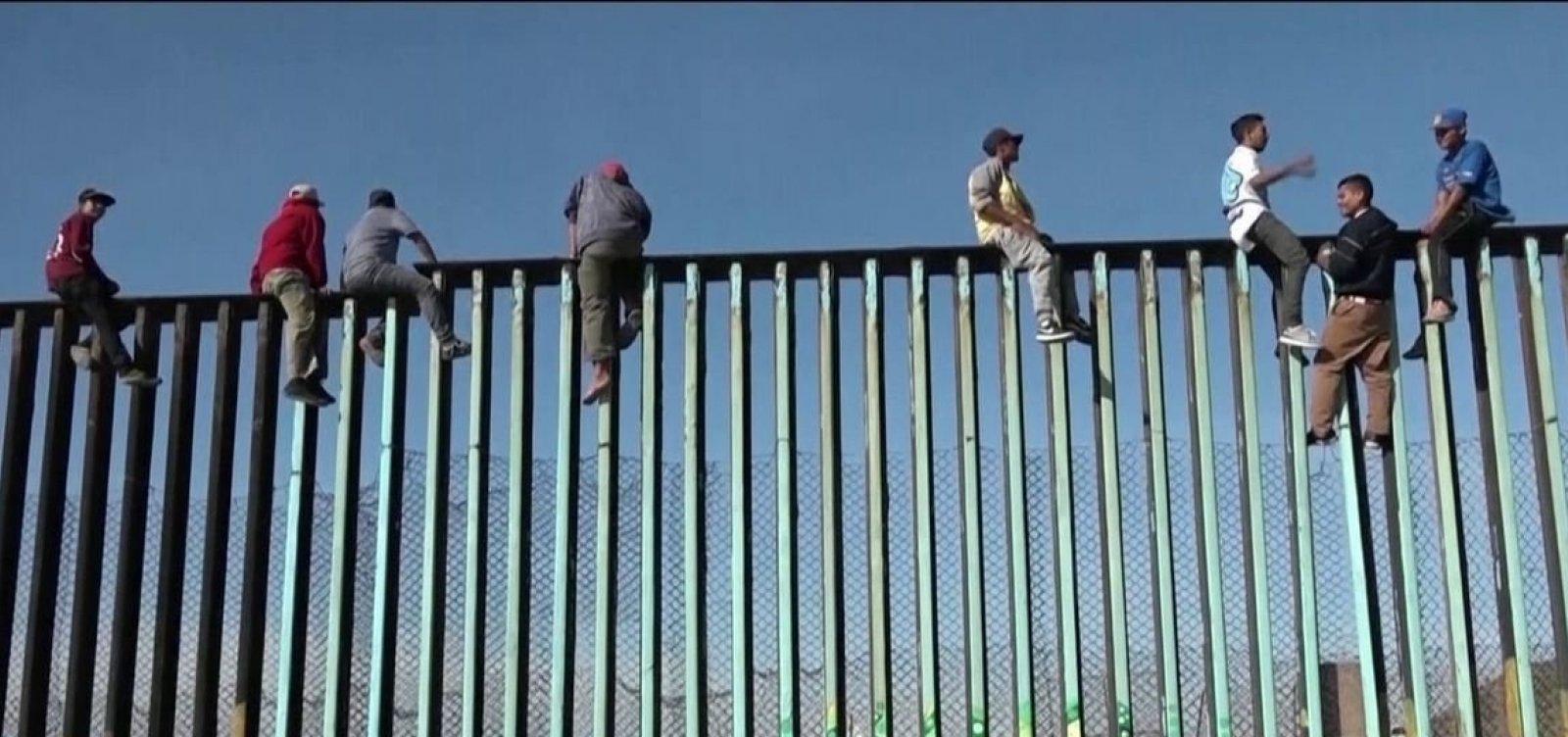 [Trump ameaça México com tarifas para punir imigração, diz jornal]