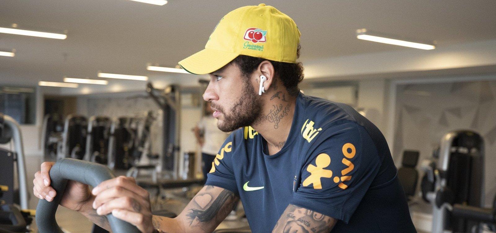 [Mulher que acusa Neymar de estupro entregou imagens e 'dossiê' à polícia]