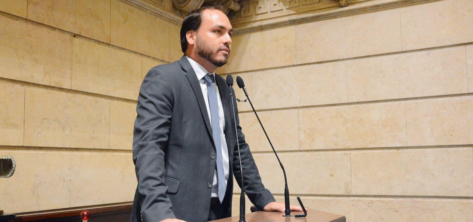 [Ex-assessores de Carlos Bolsonaro não têm registro na Câmara do Rio]