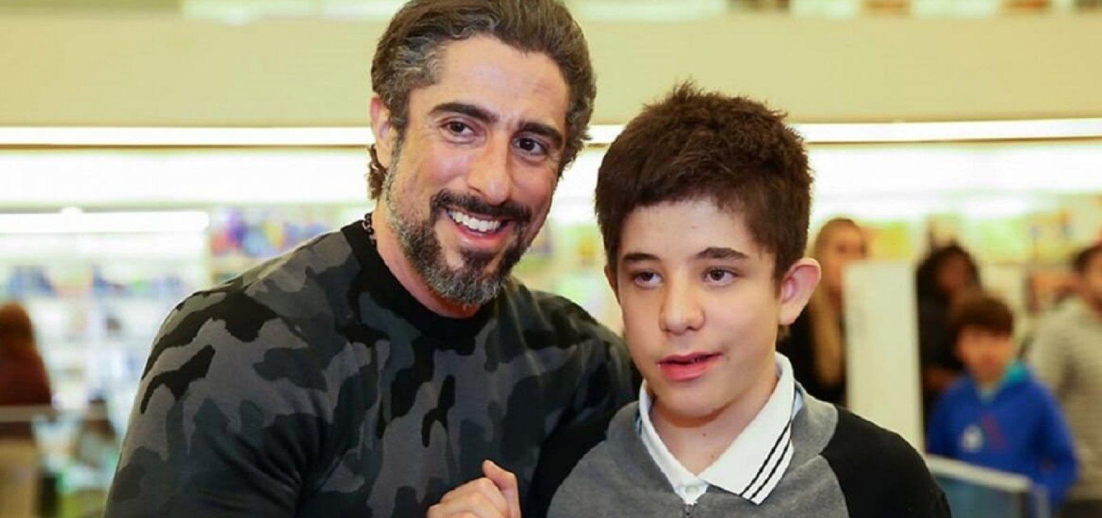 ['Fui presenteado com o autismo na minha vida', diz Marcos Mion sobre o filho Romeo]
