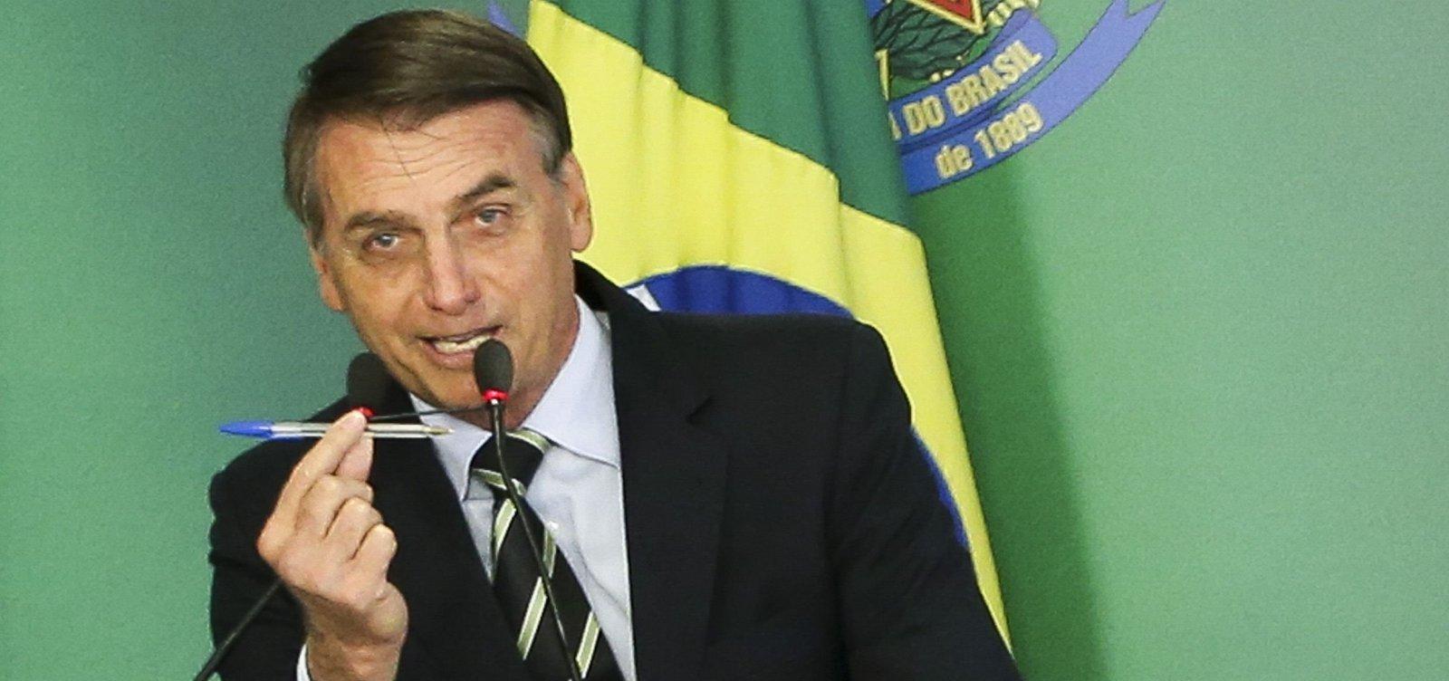 [Sem base no Congresso, Bolsonaro edita recorde de decretos desde Collor]