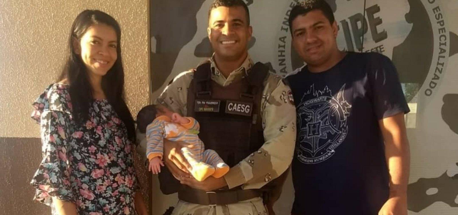 [Bebê engasga com leite materno e é salvo por policiais em Conquista]